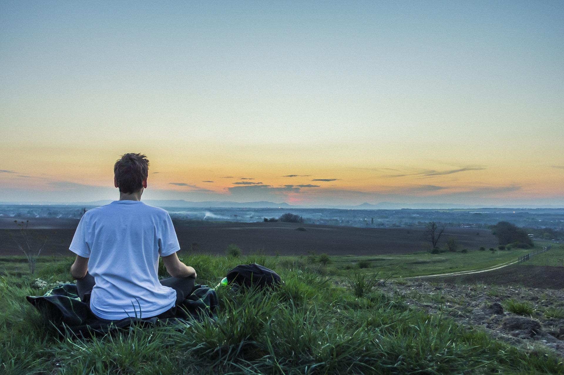 瞑想を難しく考える必要はない – 今を生きるための最高のツール